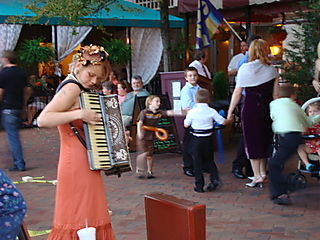 Pack Square Accordian Player