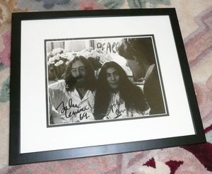 Lennon Yoko Signed Photo